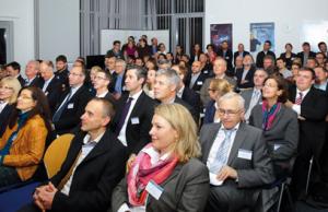 Das jährliche Schaulaufen von ausgewählten Gründungsprojekte am Innovations- und Gründerzentrum Würzburg stieß auch in 2014 wieder auf großes Interesse. Bild: Andreas Bestle