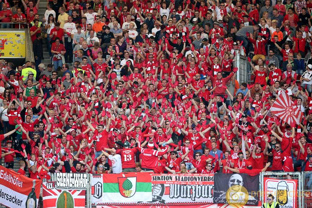 Fussball - 2. Bundesliga - VFB Stuttgart - FC Wuerzburger ...